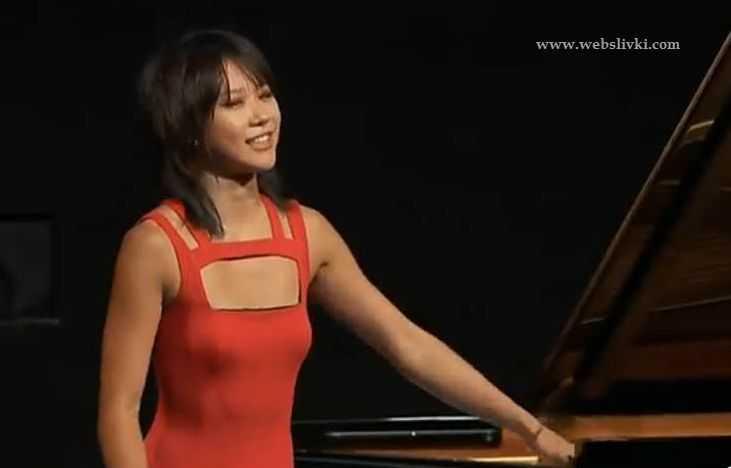 Юджа Ванг
