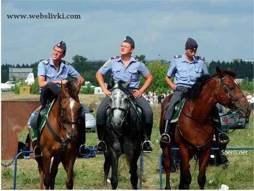 Менты на лошадях